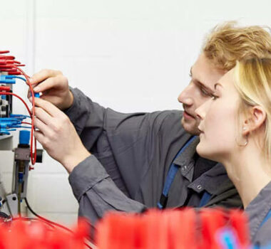 Externe Prüfung Industrieelektriker
