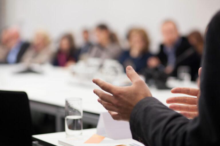 Seminare, Schulungen und Workshops